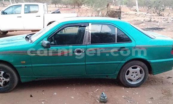 Acheter Occasion Voiture Mercedes Benz C–Class Vert à Niamey, Niamey