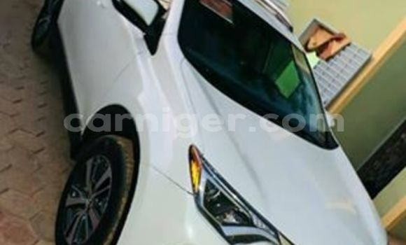 Acheter Occasion Voiture Toyota RAV4 Blanc à Niamey, Niamey