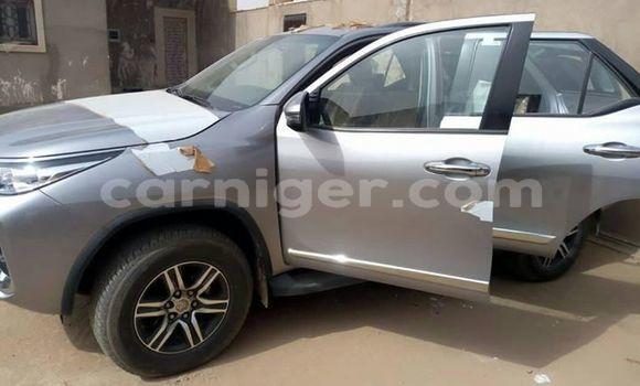 Acheter Occasion Voiture Toyota Fortuner Gris à Niamey, Niamey