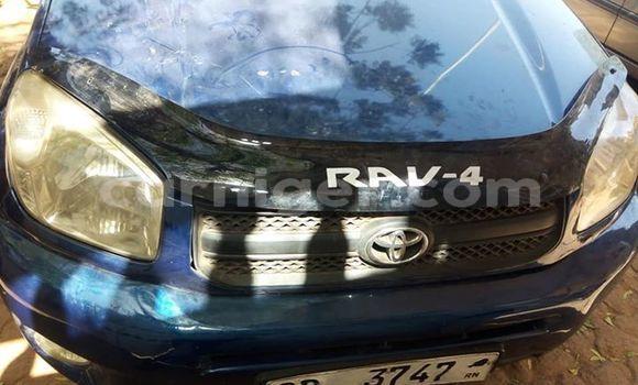 Acheter Occasion Voiture Toyota RAV4 Bleu à Niamey, Niamey