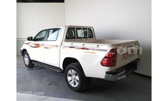 Acheter Importé Voiture Toyota Hilux Blanc à Import - Dubai, Agadez