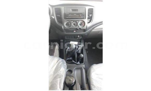 Acheter Importé Voiture Mitsubishi L200 Blanc à Import - Dubai, Agadez
