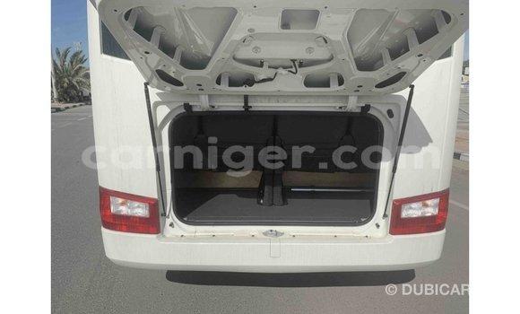 Acheter Importé Voiture Toyota Coaster Blanc à Import - Dubai, Agadez