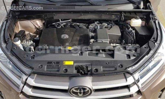 Acheter Importé Voiture Toyota Highlander Marron à Import - Dubai, Agadez