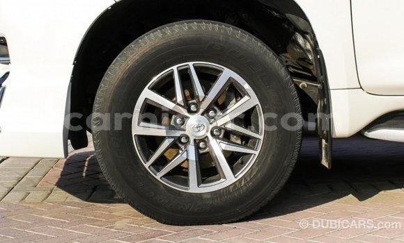 Acheter Importé Voiture Toyota Prado Blanc à Import - Dubai, Agadez