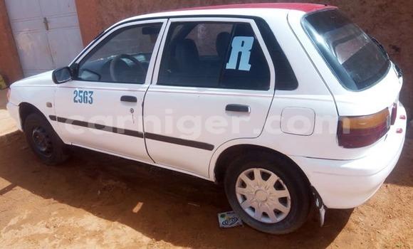 Acheter Occasion Voiture Toyota Starlet Blanc à Niamey, Niamey