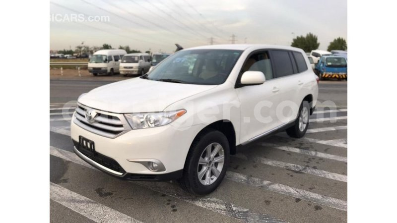 Big with watermark toyota highlander agadez import dubai 5205