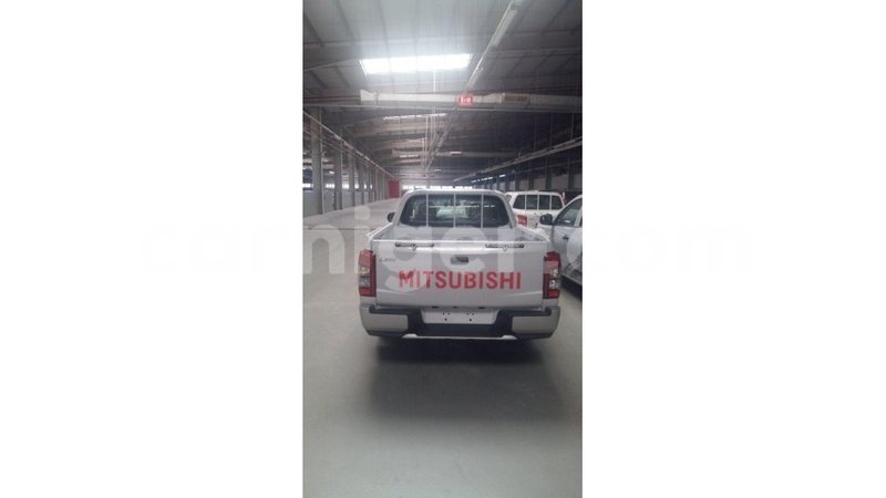 Big with watermark mitsubishi l200 agadez import dubai 7161