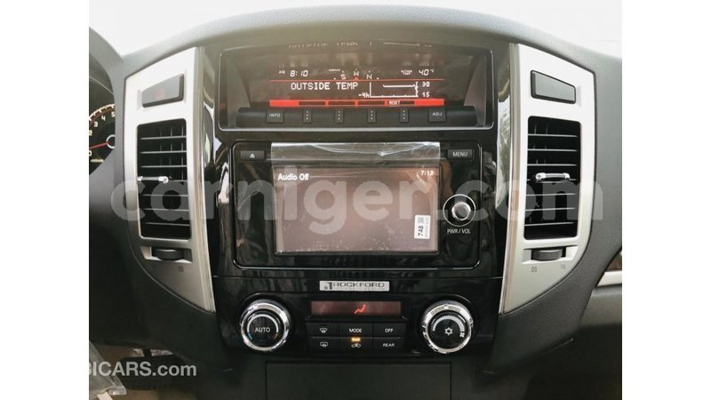 Big with watermark mitsubishi pajero agadez import dubai 7224