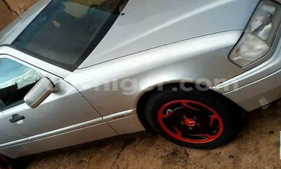 Acheter Occasion Voiture Mercedes Benz C–Class Gris à Arlit, Agadez