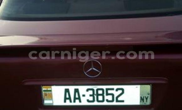 Acheter Occasion Voiture Mercedes Benz C-Class Rouge à Niamey au Niamey