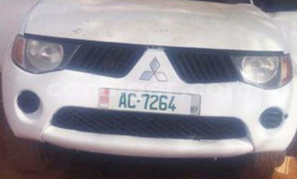 Acheter Occasion Voiture Mitsubishi L200 Blanc à Niamey, Niamey