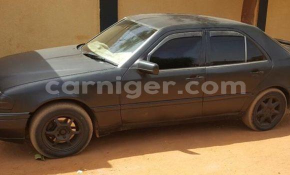 Acheter Occasion Voiture Mercedes Benz C-Class Noir à Niamey au Niamey