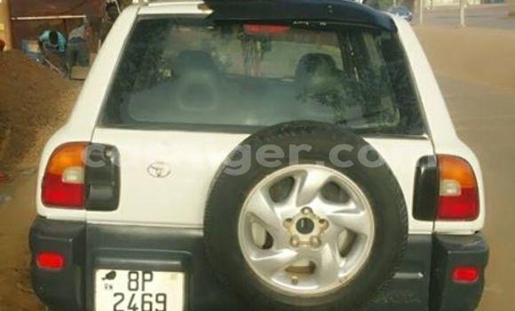 Acheter Occasion Voiture Toyota RAV4 Blanc à Niamey au Niamey