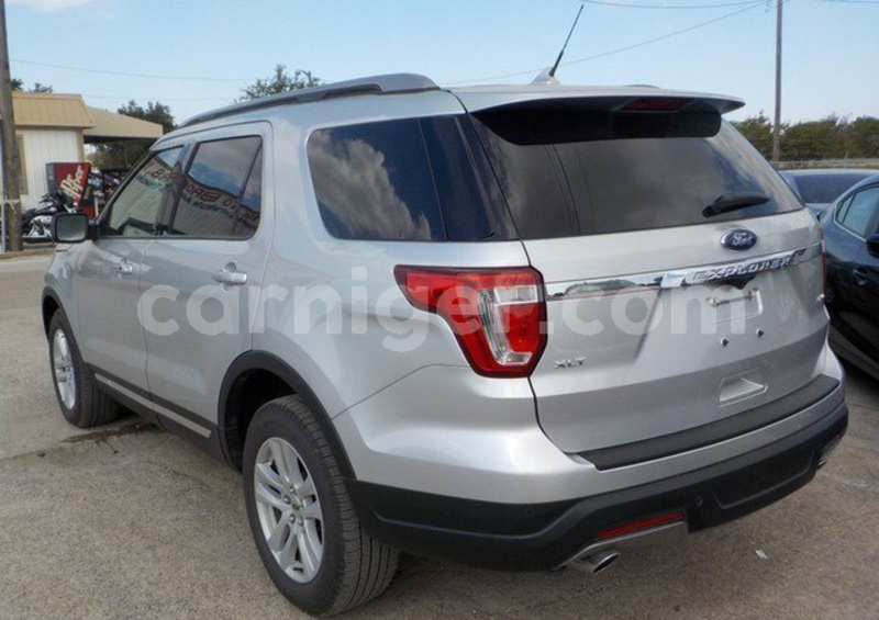 Big with watermark ford explorer dosso region birnin gaoure 7530