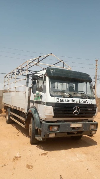 Big with watermark mercedes viano niamey niamey 7635