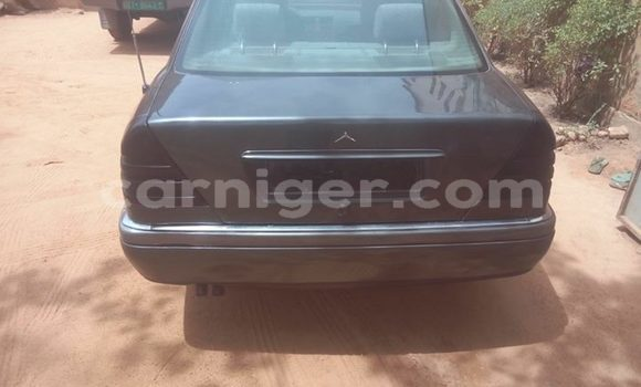 Acheter Occasions Voiture Mercedes Benz C–Class Autre à Niamey au Niamey