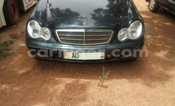 Acheter Occasions Voiture Mercedes Benz C–Class Noir à Niamey au Niamey