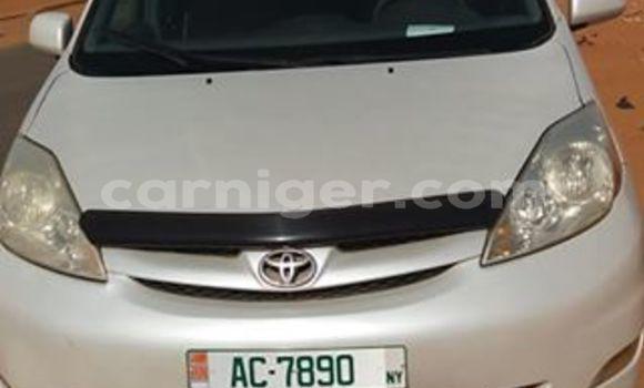 Acheter Occasions Voiture Toyota Sienna Gris à Niamey au Niamey