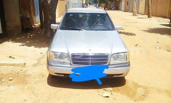 Acheter Occasions Voiture Mercedes Benz C–Class Gris à Niamey au Niamey