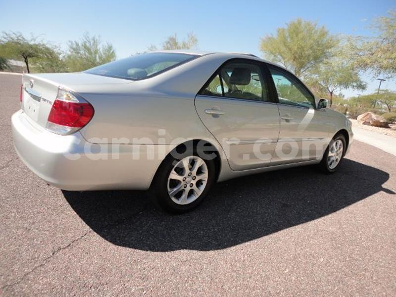 Big with watermark toyota camry xlec