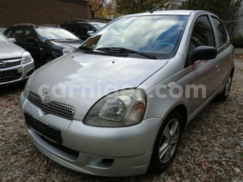 Big with watermark yaris f