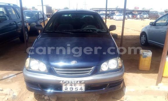 Acheter Occasion Voiture Toyota Avensis Bleu à Niamey, Niamey